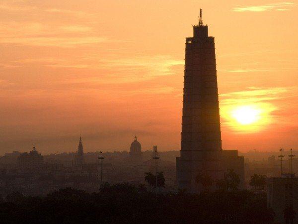 Havana at sunrise (CREDIT: Julio Maldonado Mourelle)