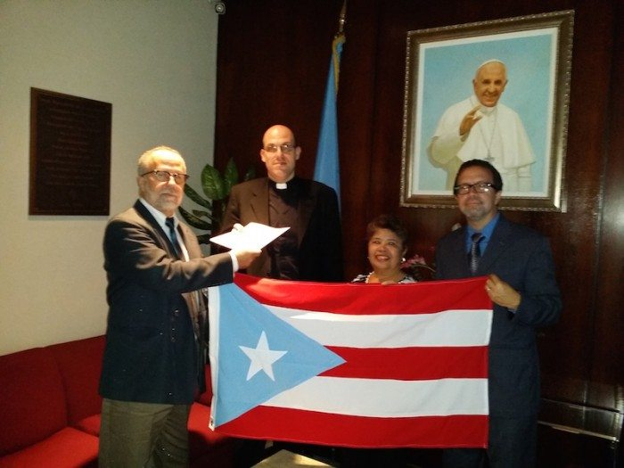 Puerto Ricans Deliver Letter for Pope Francis: Free Oscar López Rivera