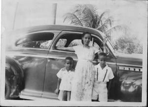 Mario Fitzpatrick Usera, Josefina Usera y Carlos Fitzpatrick Usera, c. 1950