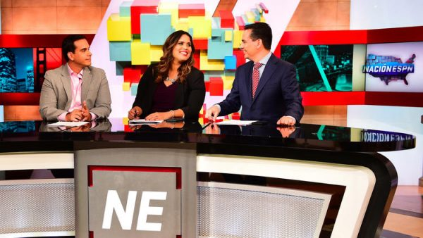 (L-R): Jorge Sedano, Marly Rivera and Bernardo Osuna on the set of Nación ESPN (Photo provided by ESPN)