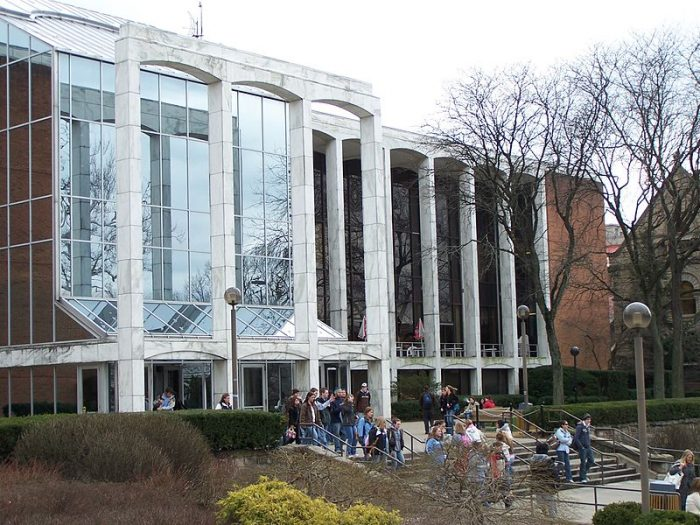 Mountainlair building at West Virginia University (ScottyBoy900Q, 2006)